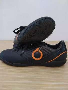 Sepatu Futsal Ortuseight Size 42