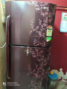 LG REFRIGERATOR WITH VERY GOOD CODITION DURACHIL TECHNOLOGY