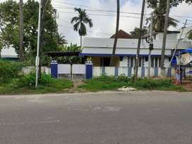 Prime Residential Land with an Old House for Sale at Fort Kochi