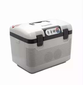 Portable cooler/heater box for car with cig plug and adapter