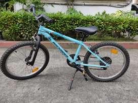 Decathlon rockrider geared cycle for 6-8 year old boys