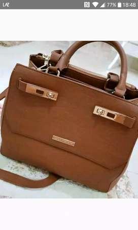 Jual tas kulit asli merek collete