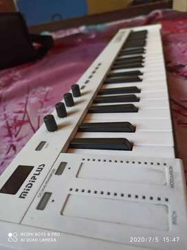 Midi Kadence X4 with 49 key