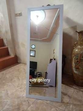Kaca cermin minimalist bingkai lebar uk 130 x 50 cm Hp/wa