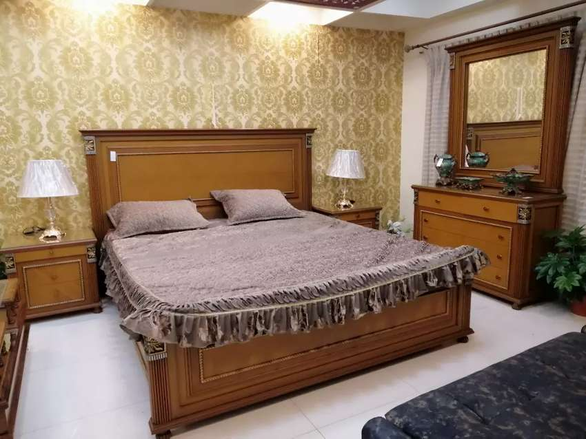 Bed and dressing with 2 side table 0