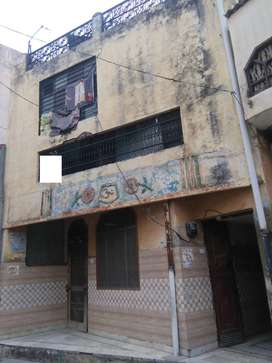 100 YARD TRIPLE STORY HOUSE 22 LAC (AJANTA COLONY GARH ROAD)