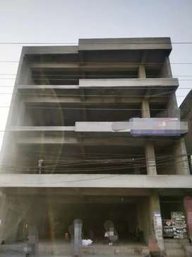 18000 sqr ft BUILDING OR PLAZA 150' RD BASEMENT+4 FLOORS HALL FOR RENT