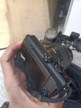 Kamera mirrorless Canon EOS M100 masih garansi. Mulus kinyis No Minus