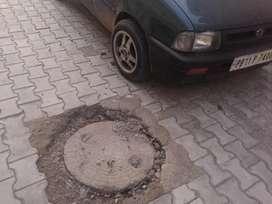 Very condition brend new tyre huni service karwai hai