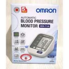 Tensimeter Digital Omron 7130 (baru)