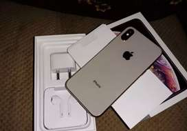 I phone xs 6 month old 128gb
