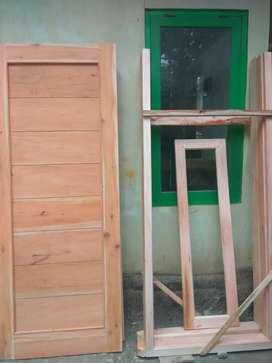 Pintu/Daun pintu kayu mahoni model minimalis