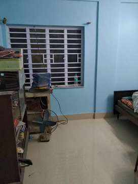 2ND FLOOR WITH LIGHT FAN INCLUDING SINGLE ROOM RENT