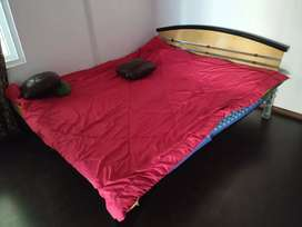 King Siz Bed