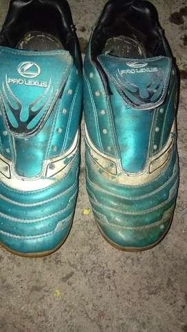 Sepatu futsal prolexus ukuran 39