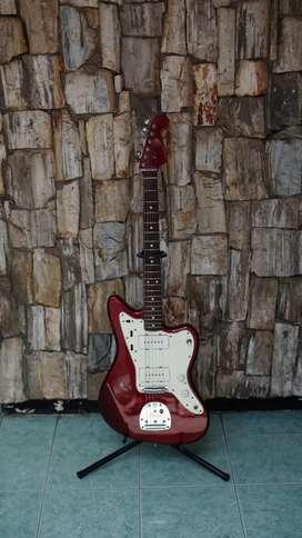 Fender Jazz Master 2007 matching headstock.