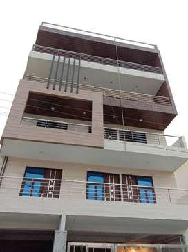 3 BHK Flat Ready To Move in Very Posh Area Palam Vihar, Gurgaon