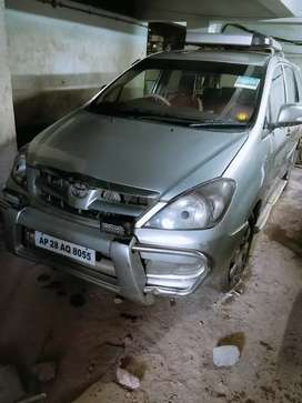 Toyota innova 2007 in showroom condition