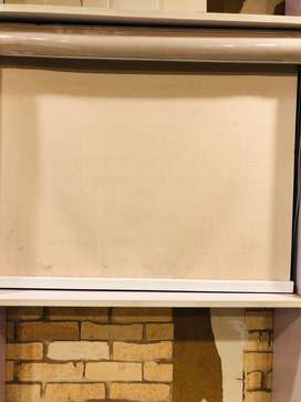 Roller blinds within free installition