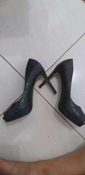 Sepatu heel dan wedges