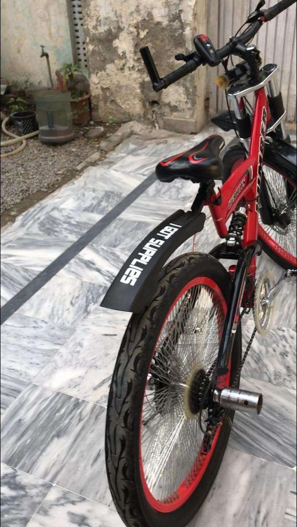 HUMBER HERCULE fat tyres BICYCLE IN 10/10 condition 0