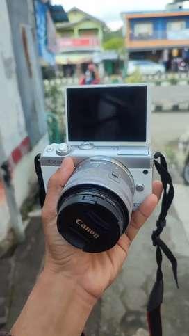 Canon mirorless m100