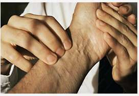 Oil Physiotherapist For Body Pain Relief