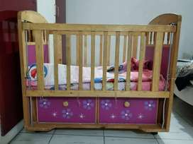 Baby cot in 100% ok condition