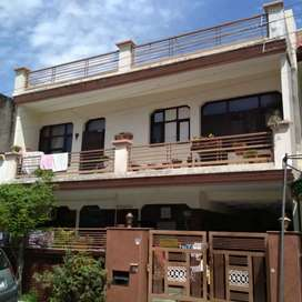 200 gaj house for rent