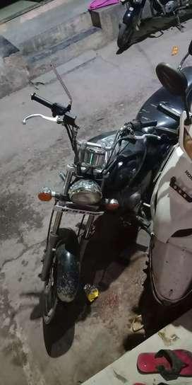 Avenger 220 kam kuch bhi nahi sirf petrol dalke chalna hai