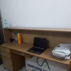 Large size computer table