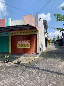 Di Jual Ruko beserta Rumah Strategis di Krapyak