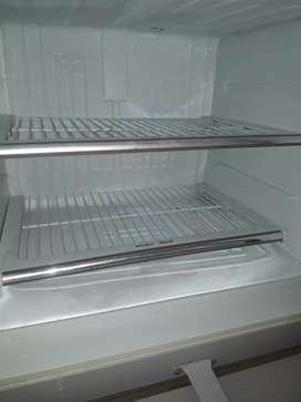 Dawlance fridge are sale 10 by 10 no problem
