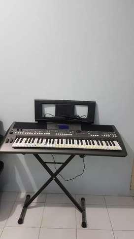 Keyboard yamaha  PSR S 670
