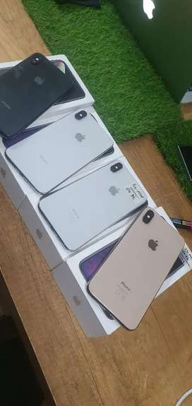 Iphone Xs Max 64GB - Like Almost New Condition