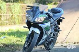 Yamaha R15 Version 2.0 Special Edition