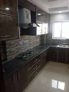 State Life Society 8 Marla Comercial Flat with Lift available for Rent