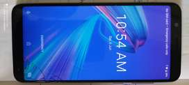 Asus zenfone max pro m1. Good condition only touch crack with bill