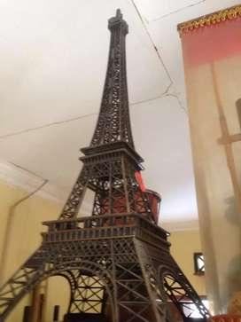 Miniatur menara eiffel asli beli dari Paris ukuran 65 x25 cm
