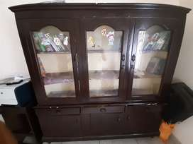 Show case in very good condition for sale in cheap
