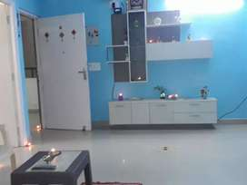 2 bhk fully furnished flat available on rent