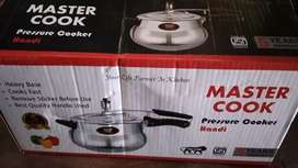 Pressure cooker for doing wholrsell