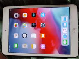 Apple ipad mini2  with charger urgent sale(negotiable)