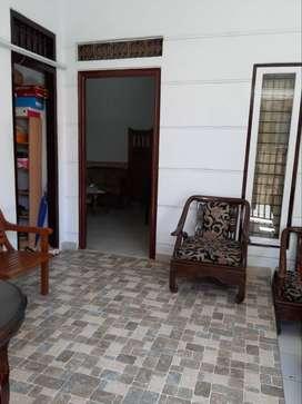 DIjual / Dikontrakan Pertahun Rumah + Isi, Denpasar, Bali