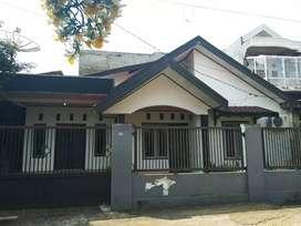 Dijual rumah murah beserta isinya