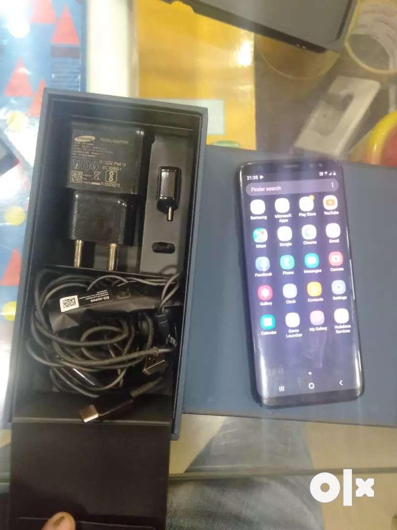 Samsung Galaxy S8 , 4 GB ram/ 64 gb 0