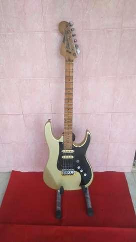 Gitar listrik strato