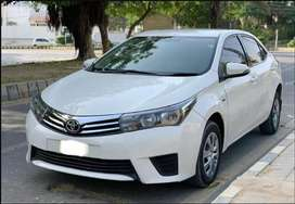 Toyota Corolla xli Available for Rent