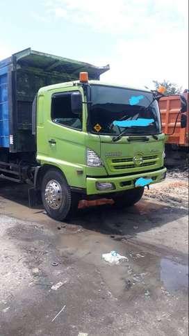 Hino lohan 260 ti Damp Truck 2011