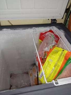Dijual frezzer box gea 100 lt